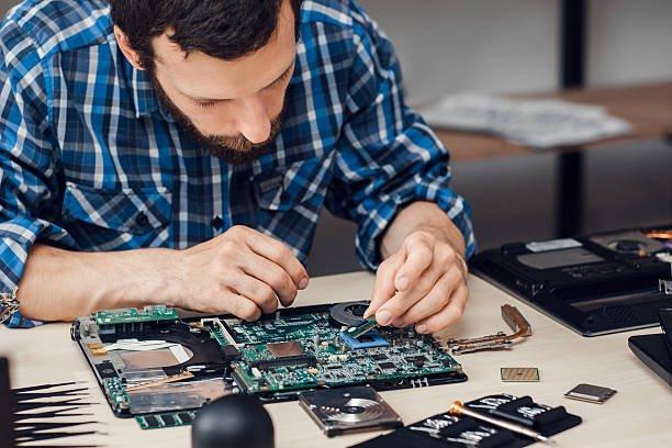 Benefits of Hiring Professional Laptop Repair Service Providers -  topcomputerrepairguides